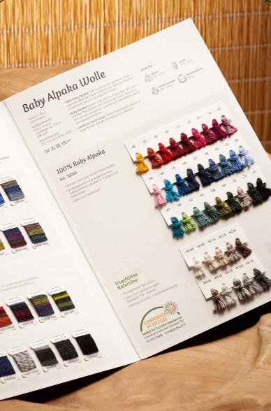 Wollkarte APU KUNTUR für Alpaka Wolle Farbmusterkarte_42761